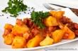 tocanita-cartofi-cu-carnati-si-bacon