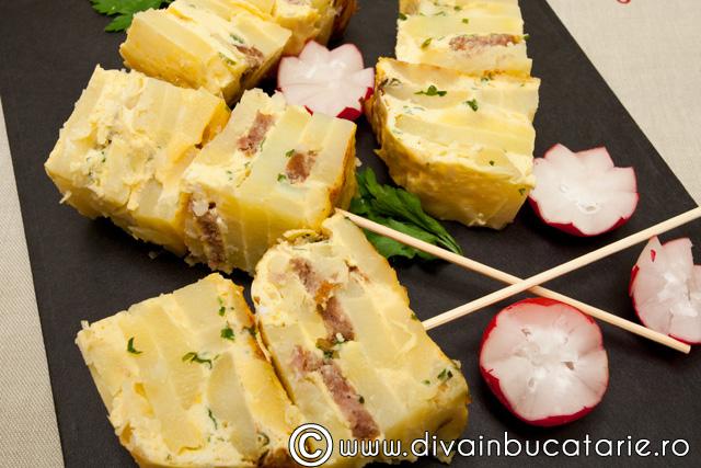 tortilla-cu-cartofi-si-carnati