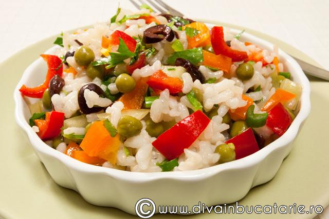 salata-de-orez-cu-legume-1