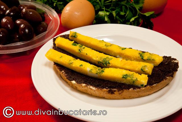 bruschete-cu-crema-masline-si-omleta