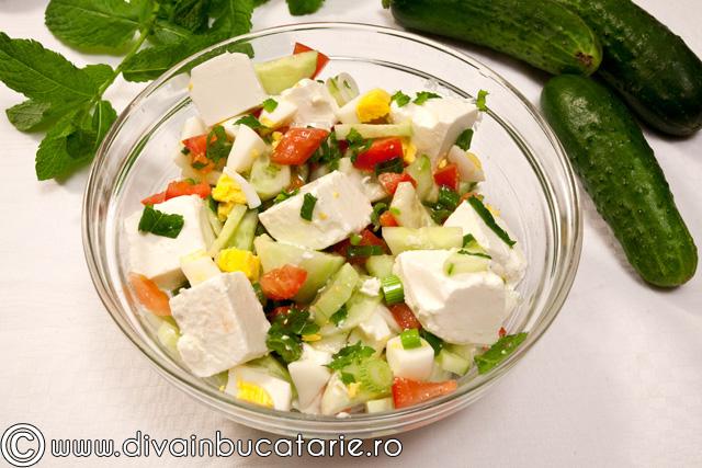 salata-castraveti-cu-feta-si-menta