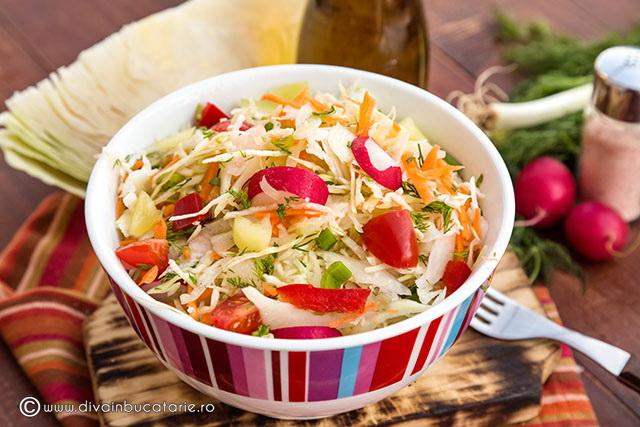 salata-de-varza-de-primavara