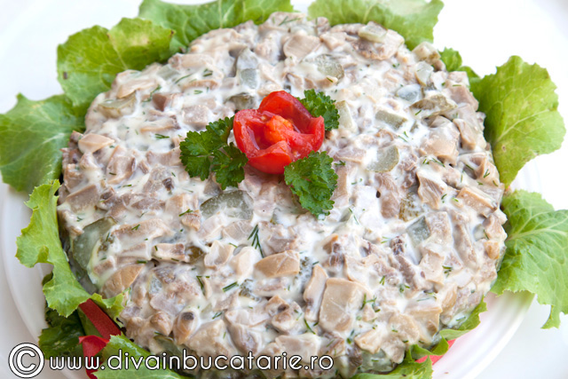 salata-de-ciuperci-cu-limba-de-porc