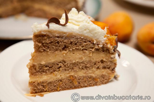 tort-cu-ciocolata-si-mousse-de-caise