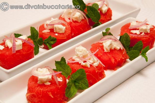 salata-de-pepene-verde-cu-feta