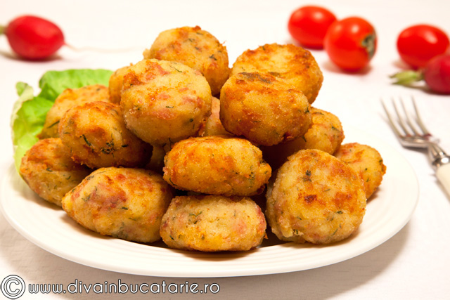 bulete-de-cartofi-cu-sunca