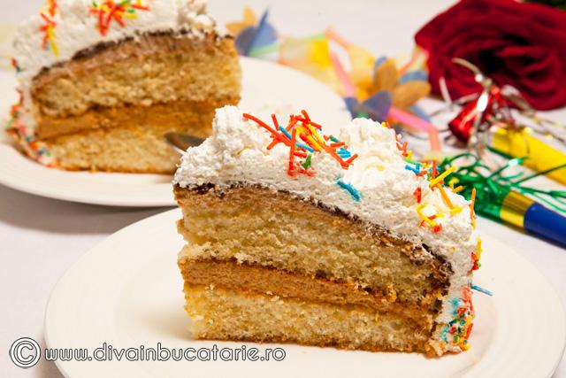 tort-cu-crema-caramel