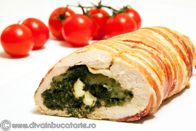 rulada-de-pui-in-bacon,-umpluta-cu-spanac
