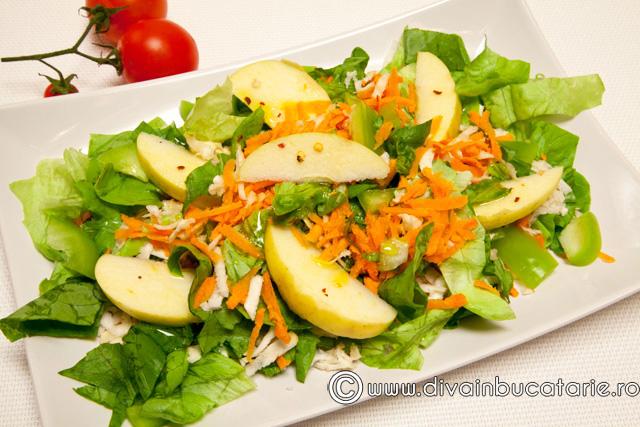 salata-simpla-de-cruditati-cu-mar