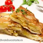 Tortilla de patatas - Omleta spaniola cu cartofisi ceapa.