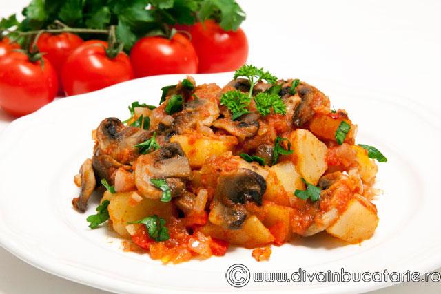 tocanita-de-cartofi-cu-ciuperci