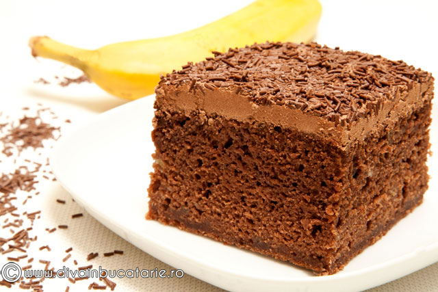 prajitura-cu-banane-si-ciocolata