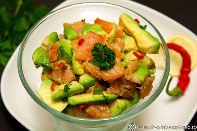 salata-somon-cu-avocado