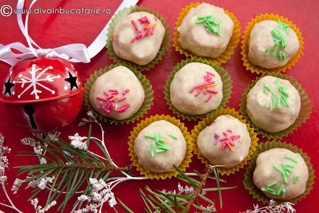 bomboane-din-biscuiti-si-nuci-cu-ciocolata-alba