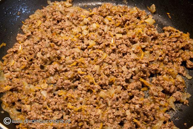rulada-din-muschiulet-porc-cu-carne-tocata-de-vita-1