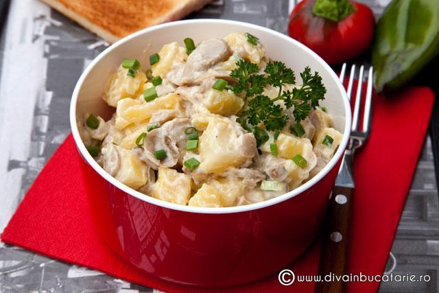 salata-de-cartofi-cu-ciuperci