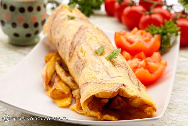 omleta-cu-cartofi-prajiti-01