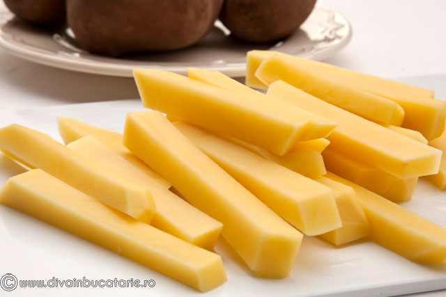 omleta-cu-cartofi-prajiti-1