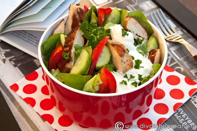 salata-de-curcan-cu-dressing-de-iaurt1