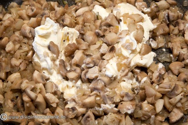 tarta-cremoasa-cu-ciuperci-4