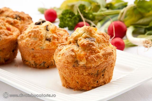 muffins-cu-cascaval-si-ciuperci