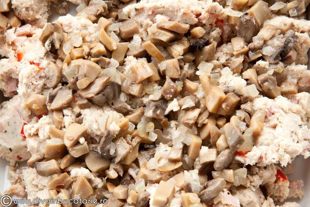 strudel-cu-carne-de-curcan,-ricotta-si-ciuperci-2