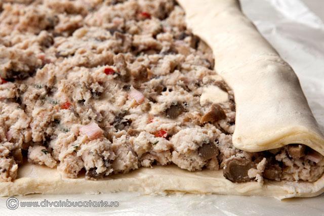 strudel-cu-carne-de-curcan,-ricotta-si-ciuperci-3