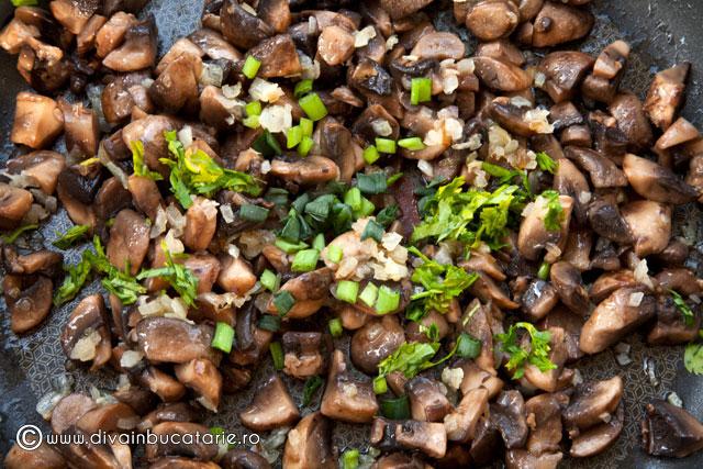 toast-cu-ciuperci-si-parmezan-1