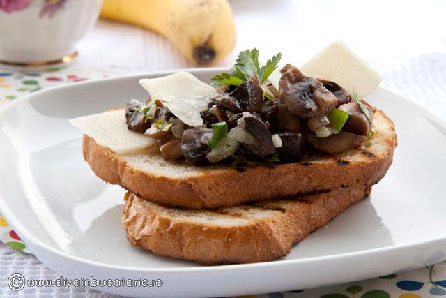 toast-cu-ciuperci-si-parmezan-2