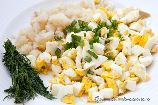 chiftelute-din-oua-si-cartofi-1