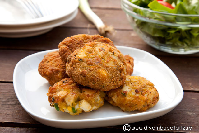 chiftelute-din-oua-si-cartofi