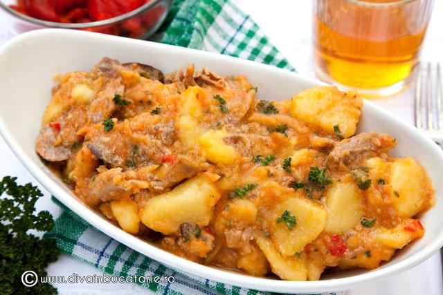 tocanita-de-cartofi-cu-carne-de-iepure