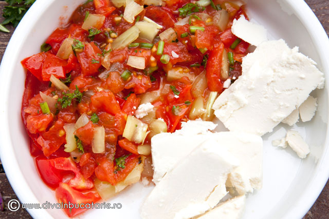 mamaliga-la-gratar-cu-salsa-de-legume-coapte-si-branza-de-capra-2