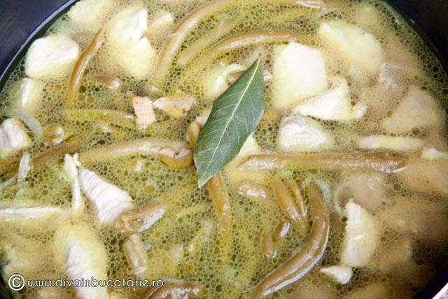 piept-de-pui-cu-fasole-verde-si-smantana-2
