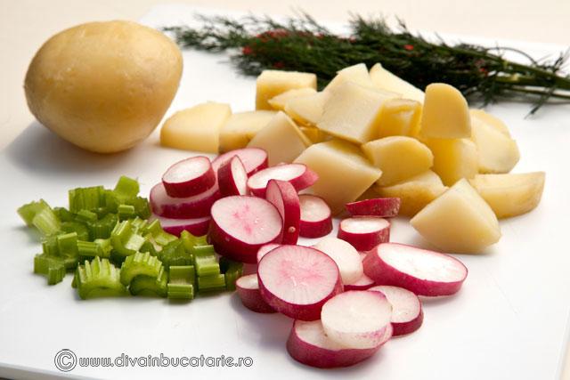 salata-de-cartofi-cu-ridichi-1