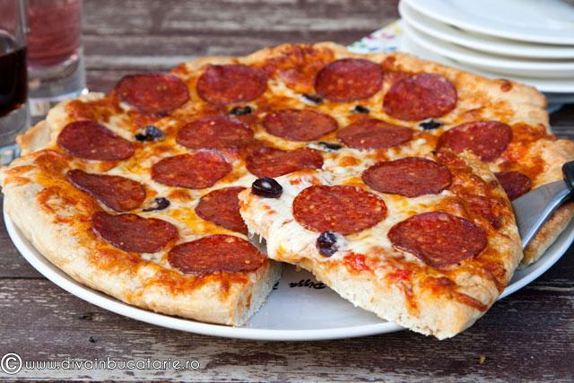 pizza-cu-salam-pizza-salami-01