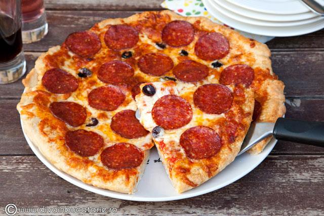 pizza-cu-salam-pizza-salami-02
