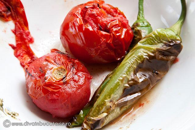 sos-picant-din-rosii-coapte-cu-usturoi-si-ardei-iute-2