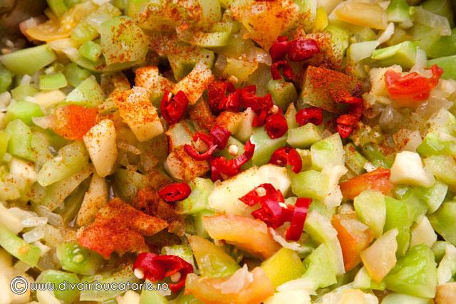 chutney-de-rosii-verzi,-mere-si-ceapa-4