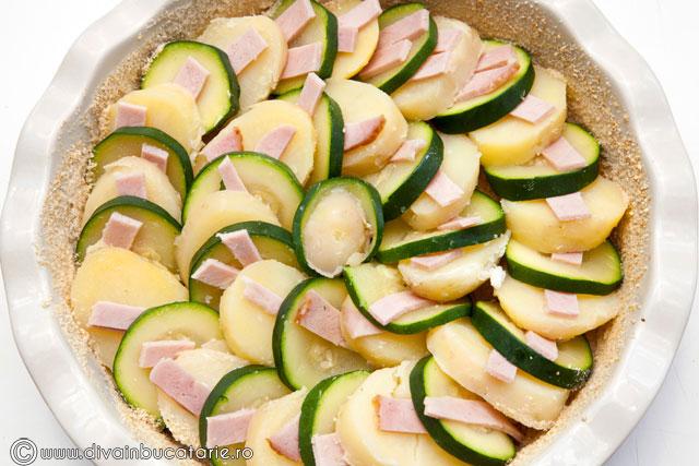 gratin-de-cartofi-cu-zucchini-si-sunca-3