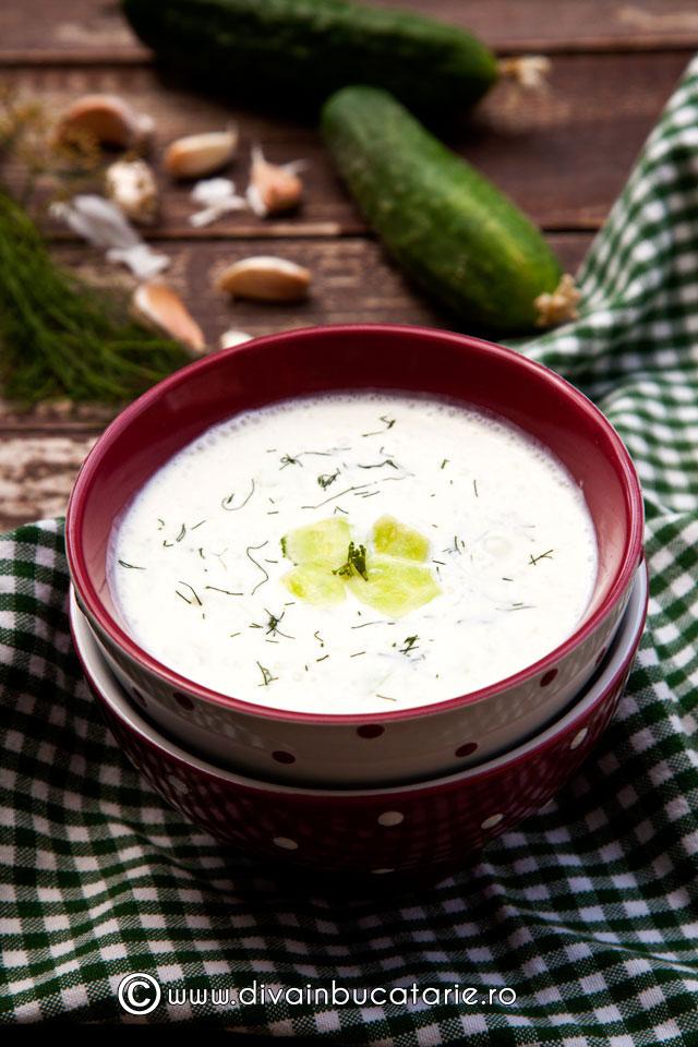 tarator---supa-bulgareasca-de-castraveti-cu-iaurt