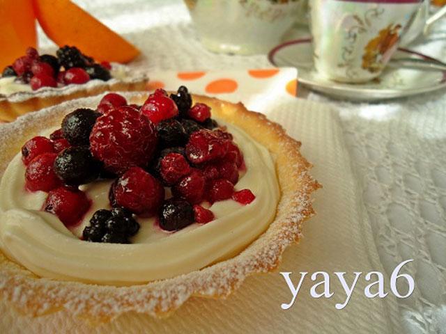 minitarte-cu-crema-si-fructe-yaya