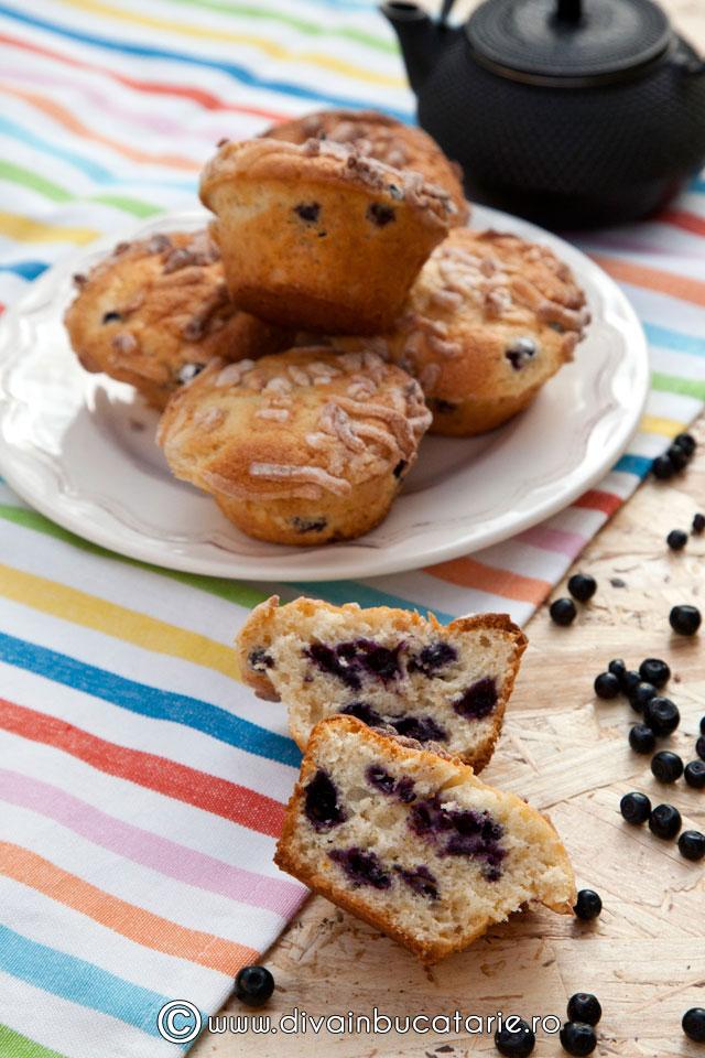 muffins-cu-afine-si-martipan-0