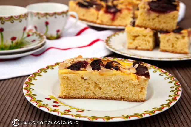prajitura-cu-prune-si-budinca-de-vanilie