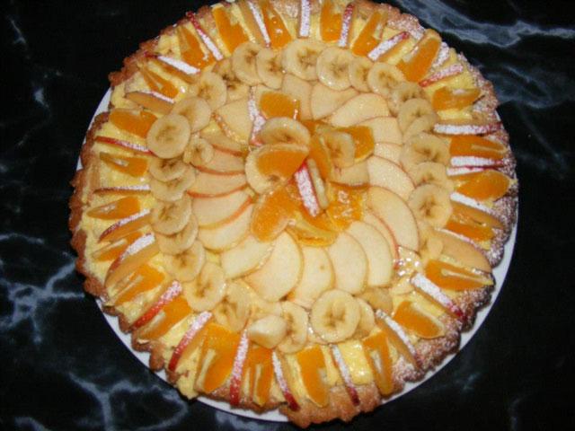 tarta-amareto-cu-crema-de-vanilie-si-fructe