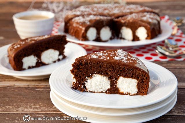 prajitura-cu-ciocolata-si-bile-de-cocos-01