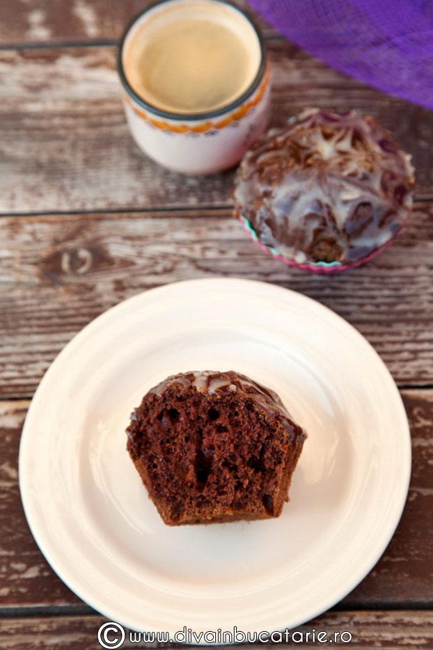 muffins-cu-ciocolata-00