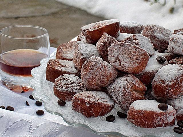 Castagniole-cu-lichior-de-cafea