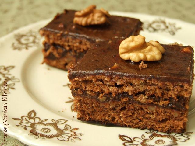 prajitura-cu-nuca-si-cacao-laura