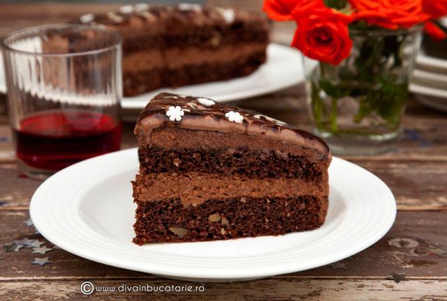 tort-cu-nuca,-ciocolata-si-caramel-01
